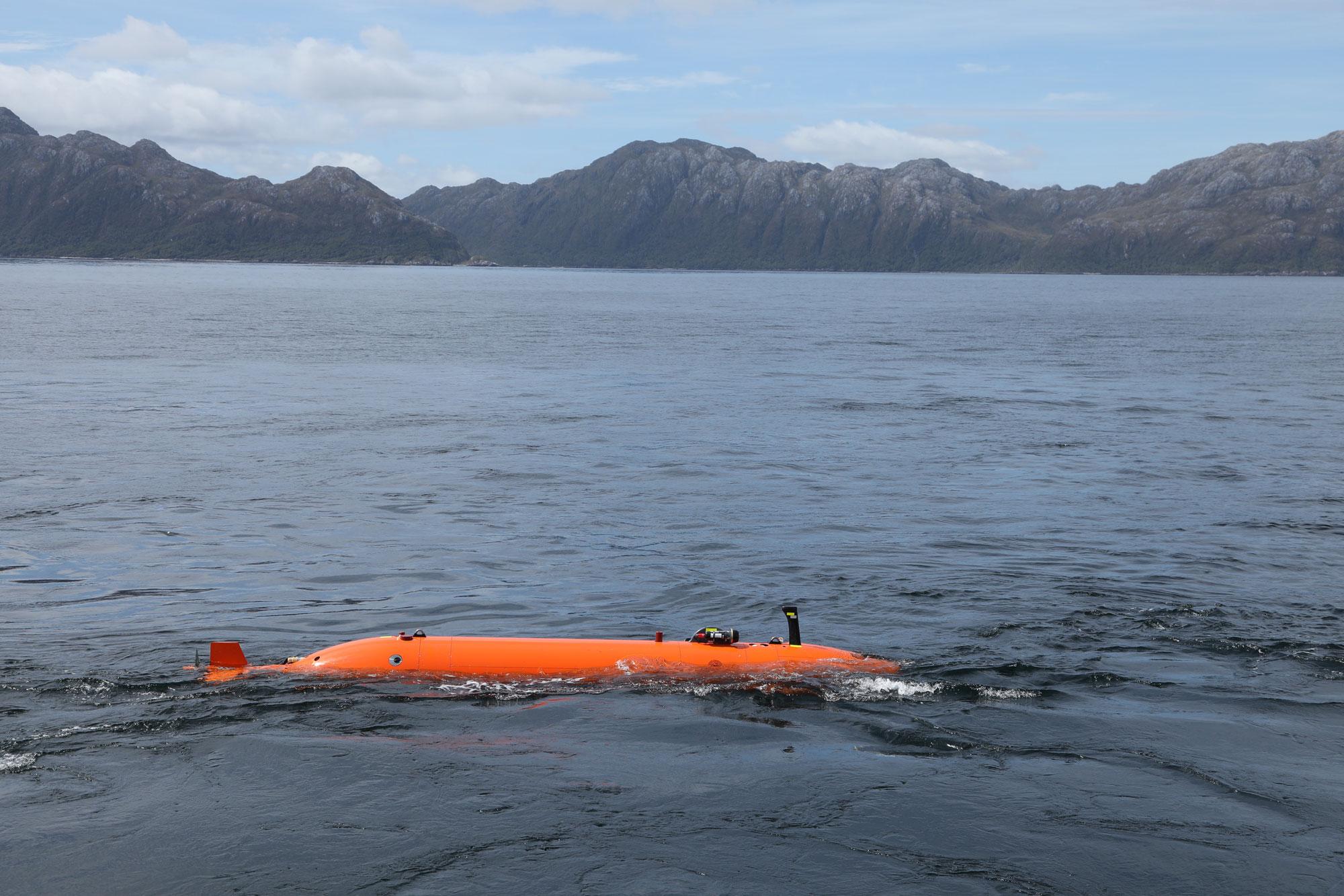 This submarine's historic tour under Thwaites Glacier will